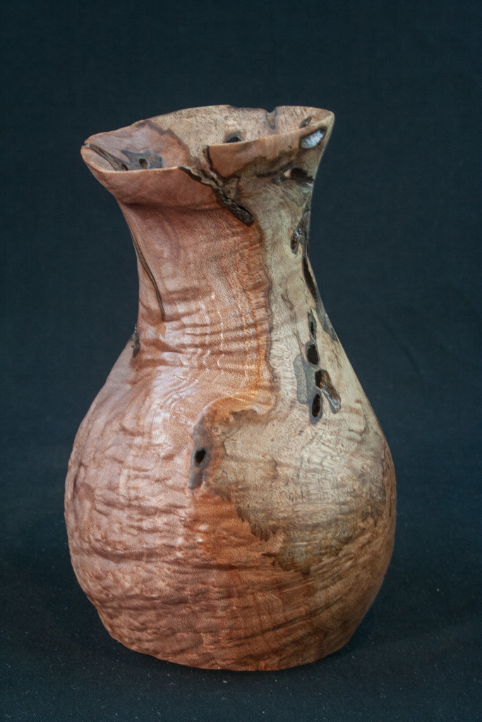 79 Madrone Burl Distorted 3,5 x 6 ....... $59  .........SOLD